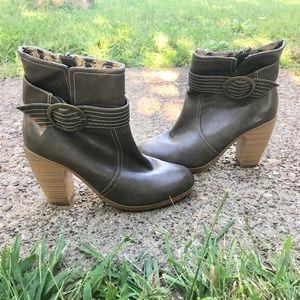 American Eagle Brown Heeled Ankle Booties sz 8